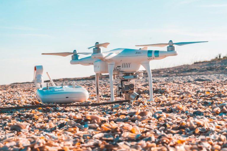 Drony z aparatami wysokiej rozdzielczości